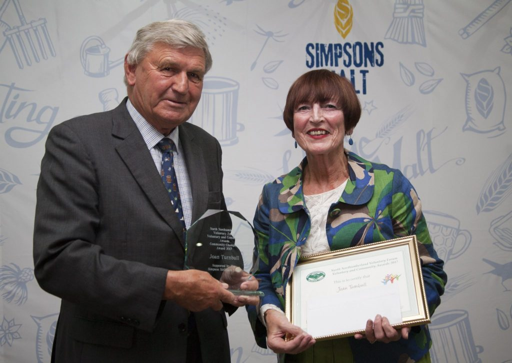 Pat Scott recieving the Community Champion Award 2017
